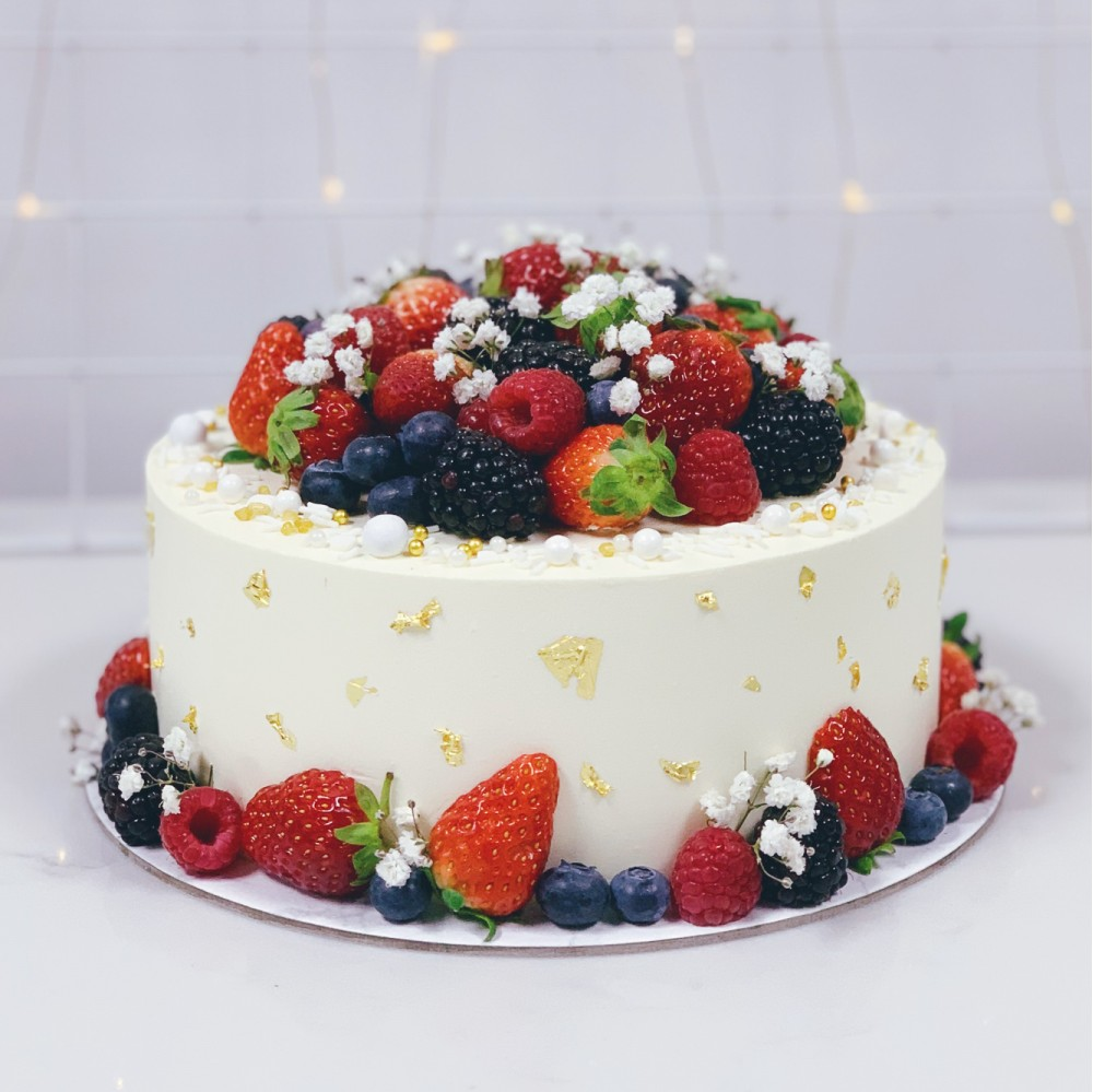 Mixed Berries Floral Cake