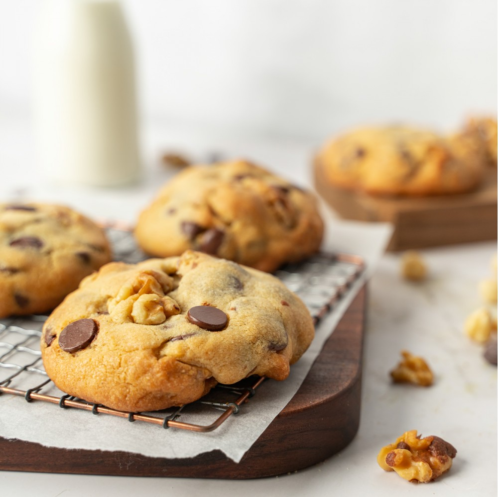 Levain Style Chocolate Chip and Walnut Cookies
